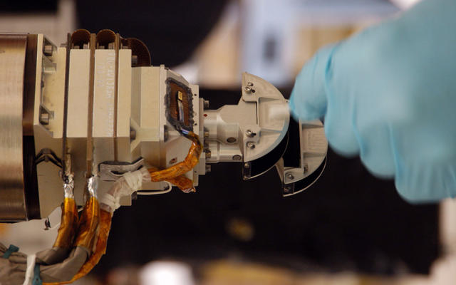 Mars Color Imager (MARCI) for Mars Reconnaissance Orbiter