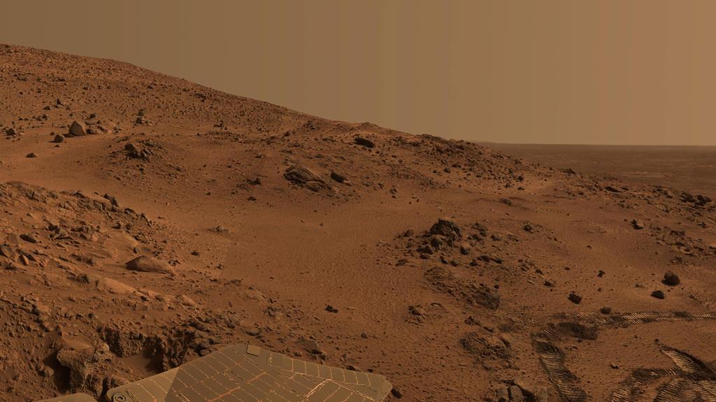 """Este é um zoom de vista sobre panorama do Espírito """"Lookout"""" na unidade até o cume """"Marido Hills."""""""