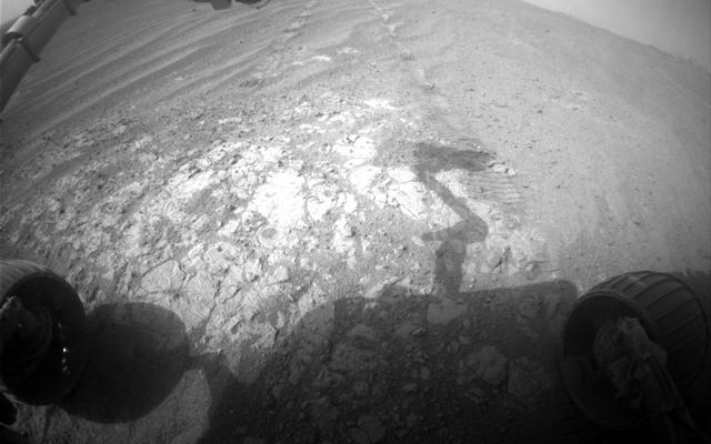 Opportunity Pausing at a Bright Outcrop