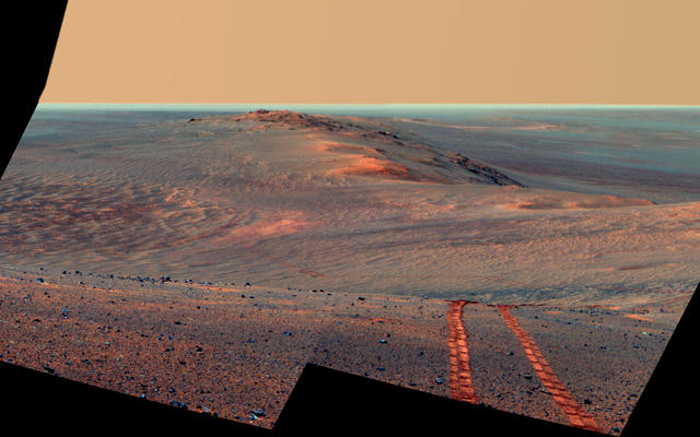 Rover Tracks Along Crater's West Rim, False Color