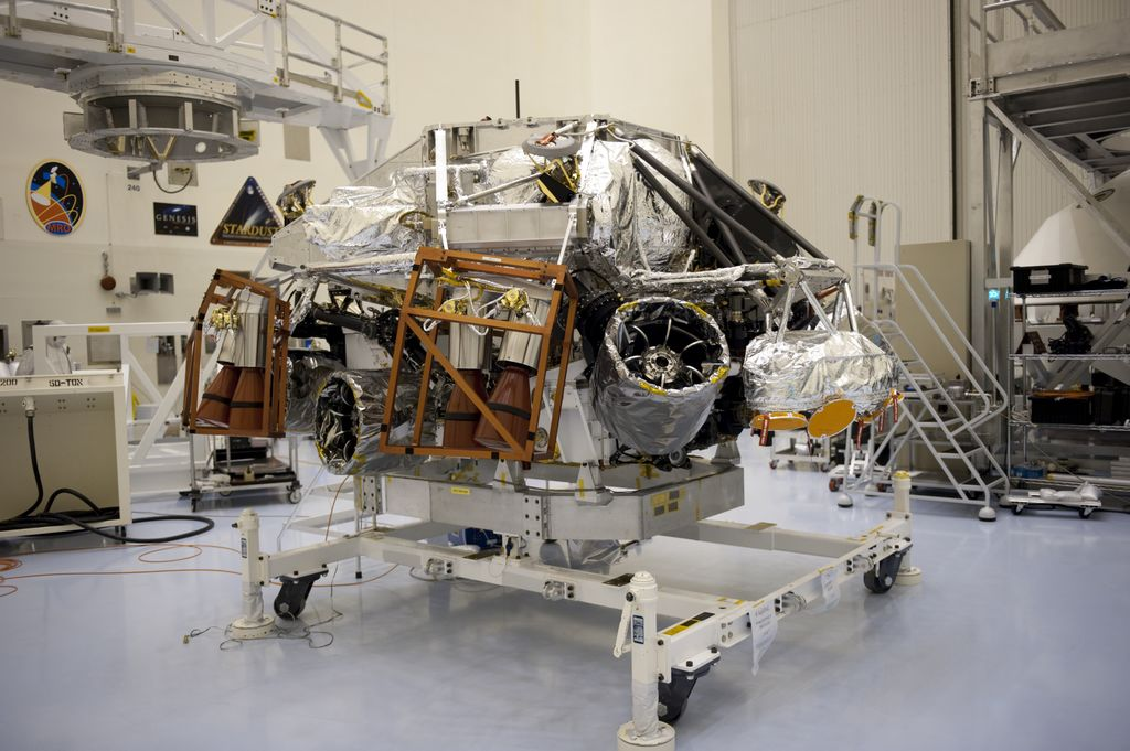 At the Payload Hazardous Servicing Facility at NASA's Kennedy Space Center in Florida, integration between a rocket-powered descent stage and NASA's Mars Science Laboratory (MSL) rover, known as Curiosity, is complete. The descent stage will lower Curiosity to the surface of Mars.