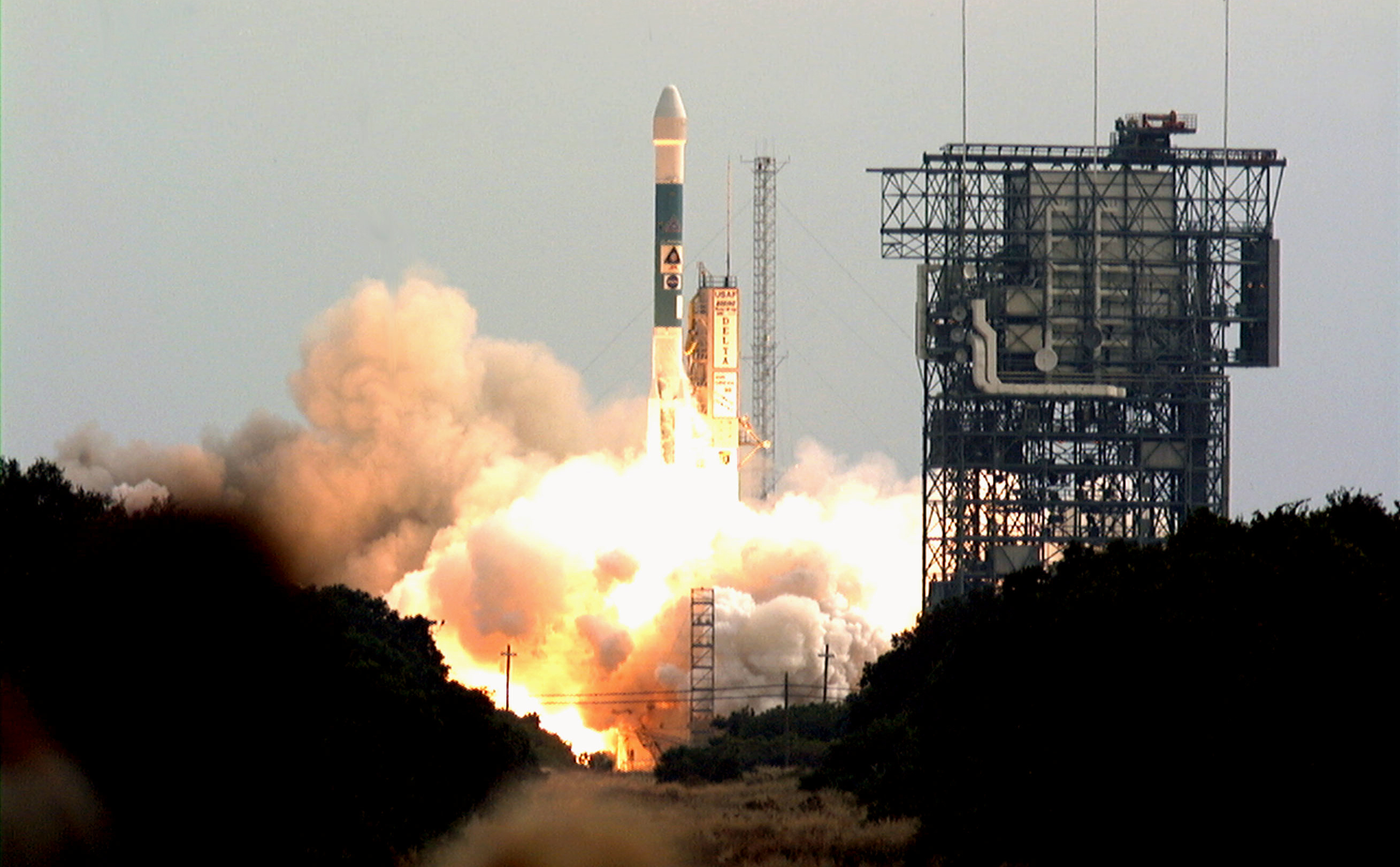 Photo of Mars Odyssey launch.