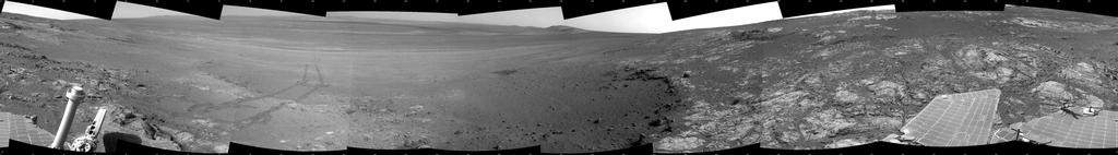 This full-circle panorama shows the terrain around the NASA Mars Exploration Rover Opportunity during the 3,071st Martian day, or sol, of the rover's work on Mars (Sept. 13, 2012).