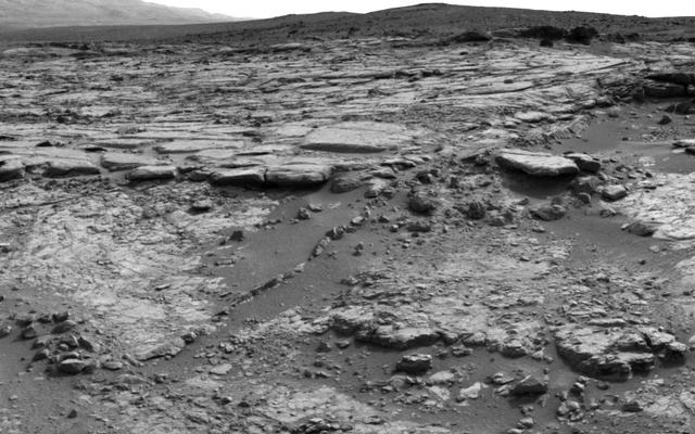 'Snake River' Rock Feature Viewed by Curiosity Mars Rover