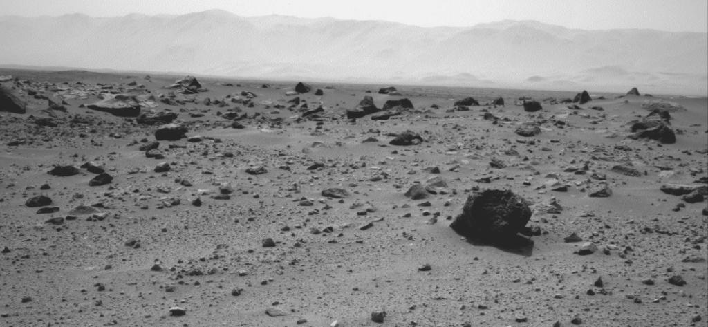 NASA's Mars rover Curiosity used the Navigation Camera (Navcam) on its mast to record this westward look on the 347th Martian day, or sol, of the rover's work on Mars (July 28, 2013).