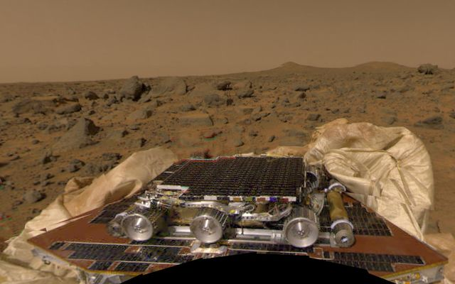 Color Mosaic of Rover & Terrain