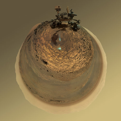 Round-Horizon Version of Curiosity's Low-Angle Selfie at 'Buckskin'