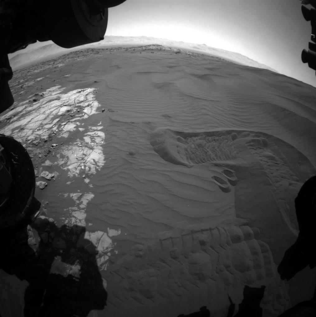 NASA Mars Rover Curiosity Tastes Scooped, Sieved Sand ...