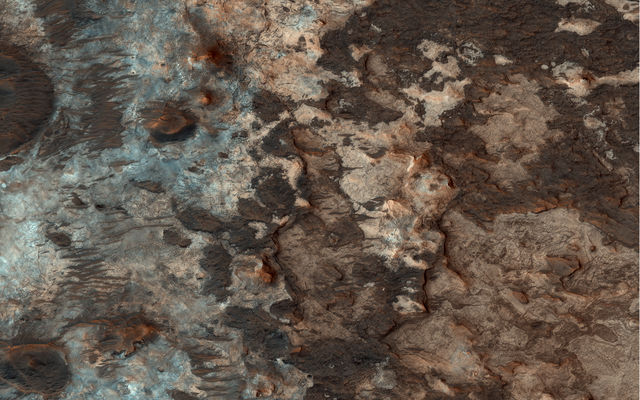 Mawrth Vallis: A Mysterious Water Source