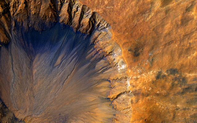 Crisp Crater in Sirenum Fossae