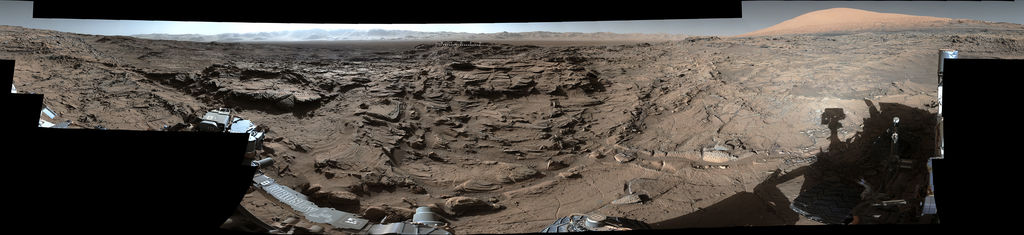 view 'Full-Circle Vista from 'Naukluft Plateau' on Mars'