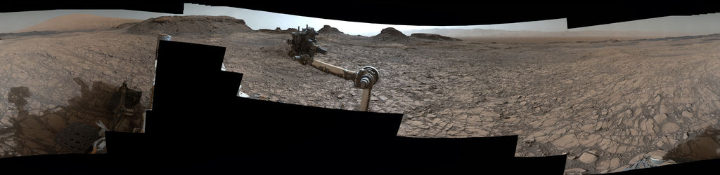 view Rover's Panorama of Entrance to 'Murray Buttes' on Mars'