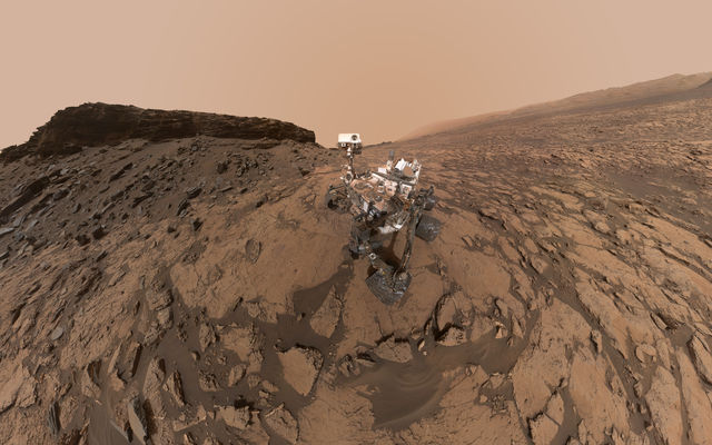 Curiosity Self-Portrait at 'Murray Buttes'