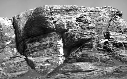 read the article 'Micro-imager View: Layers in 'Vera Rubin Ridge,' Mars'