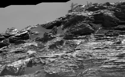 "read the article 'Erosion Effects on ""Vera Rubin Ridge,"" Mars'"