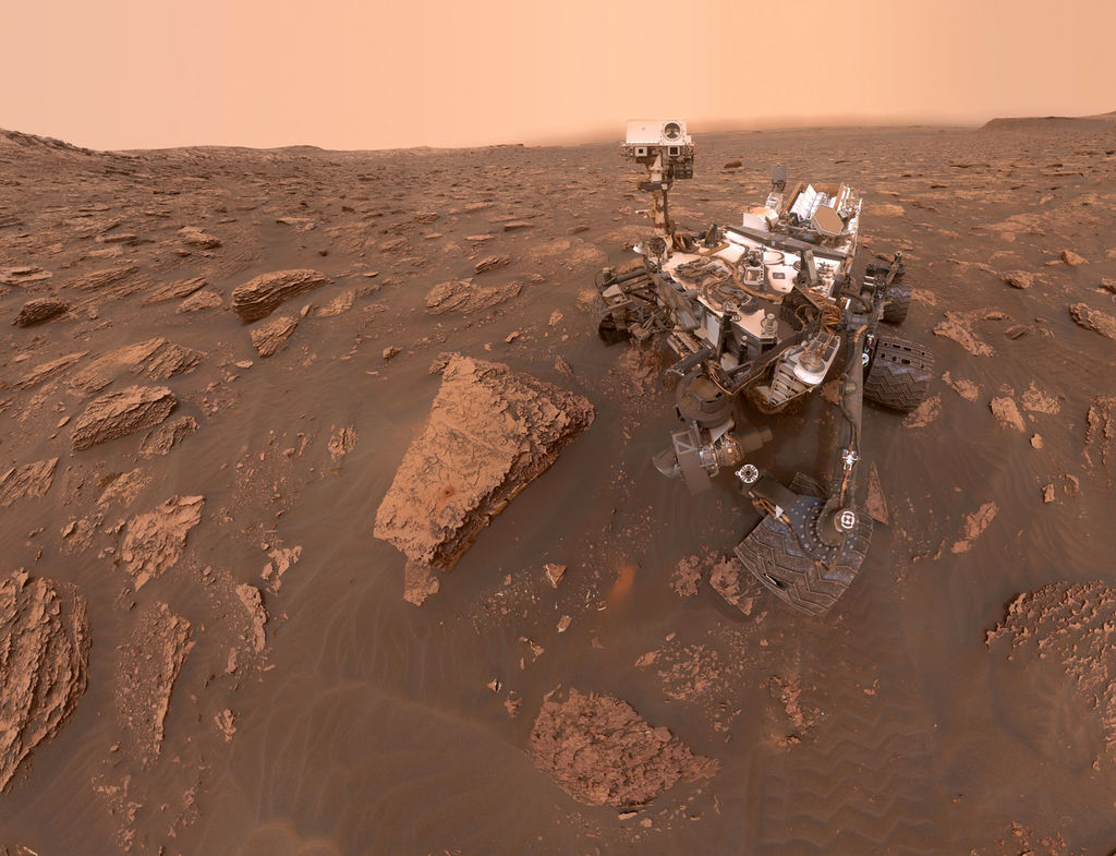 Read article: Curiosity Captures Photos of Thickening Dust