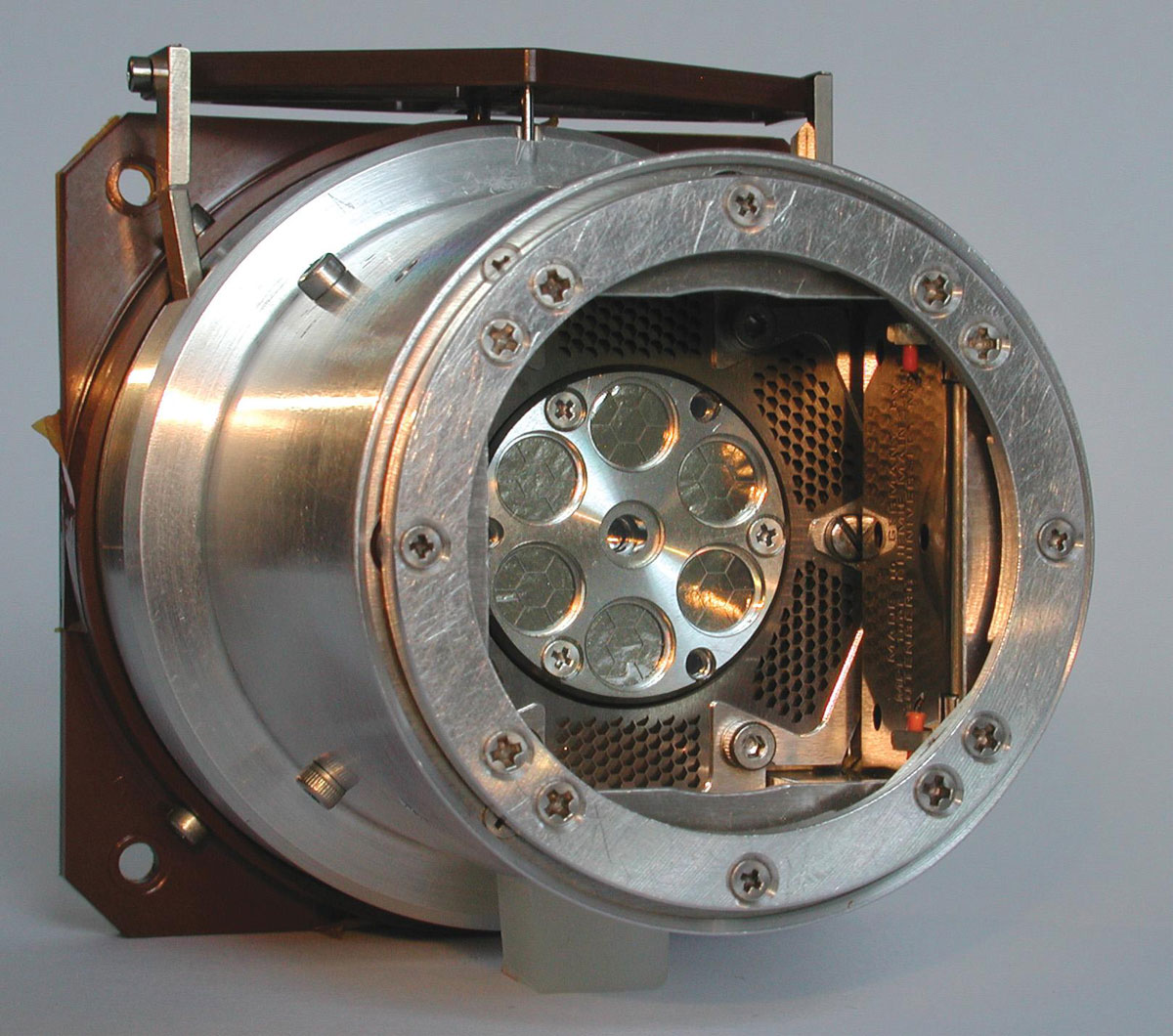Alpha Particle X-Ray Spectrometer (APXS)