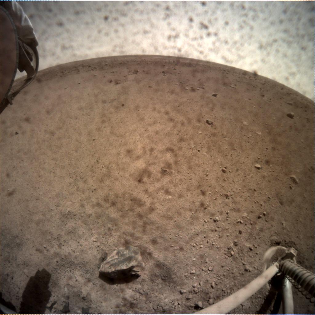 InSight - Mission d'exploration sur Mars - Page 9 C000M0005_596975725EDR_F0000_0461M_