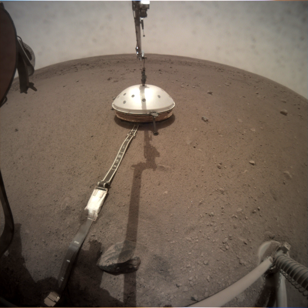 https://mars.nasa.gov/insight-raw-images/surface/sol/0067/icc/C000M0067_602475102EDR_F0000_0461M_.PNG