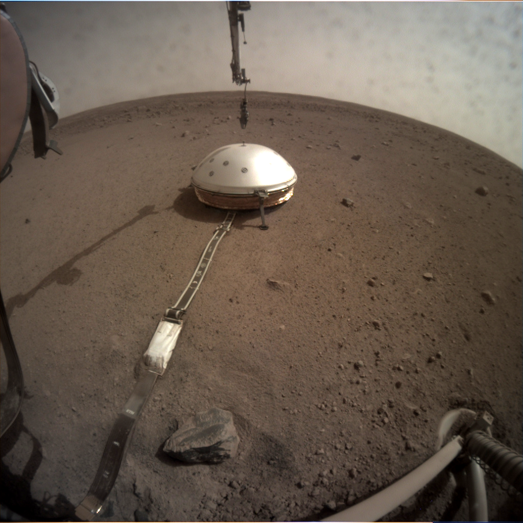 https://mars.nasa.gov/insight-raw-images/surface/sol/0070/icc/C000M0070_602751822EDR_F0000_0461M_.PNG