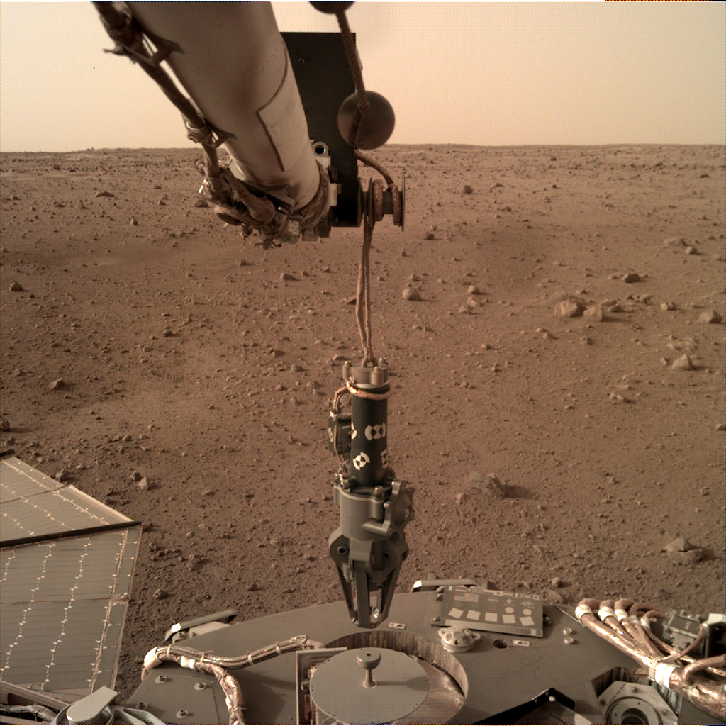 https://mars.nasa.gov/insight-raw-images/surface/sol/0073/idc/D000M0073_603024532EDR_F0000_0250M_.PNG