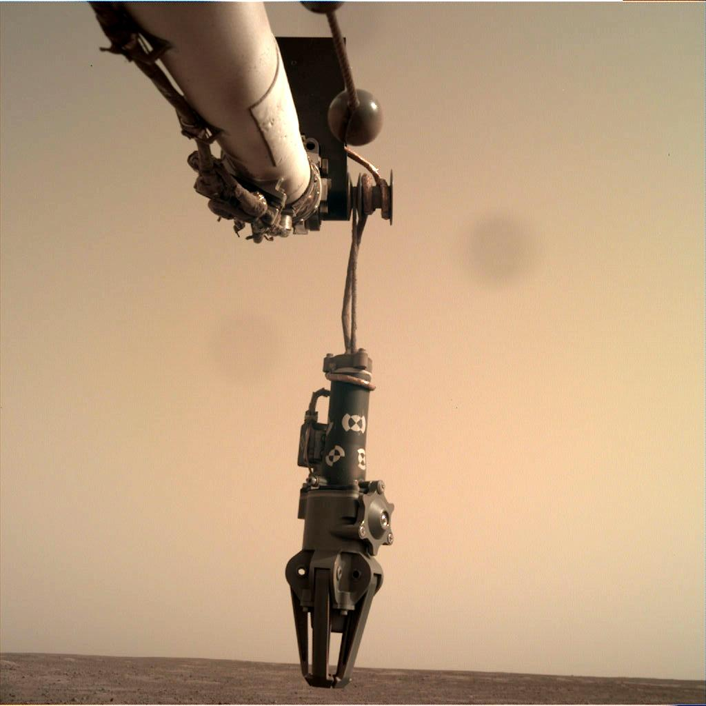 Nasa's Mars lander InSight acquired this image using its Instrument Deployment Camera on Sol 89