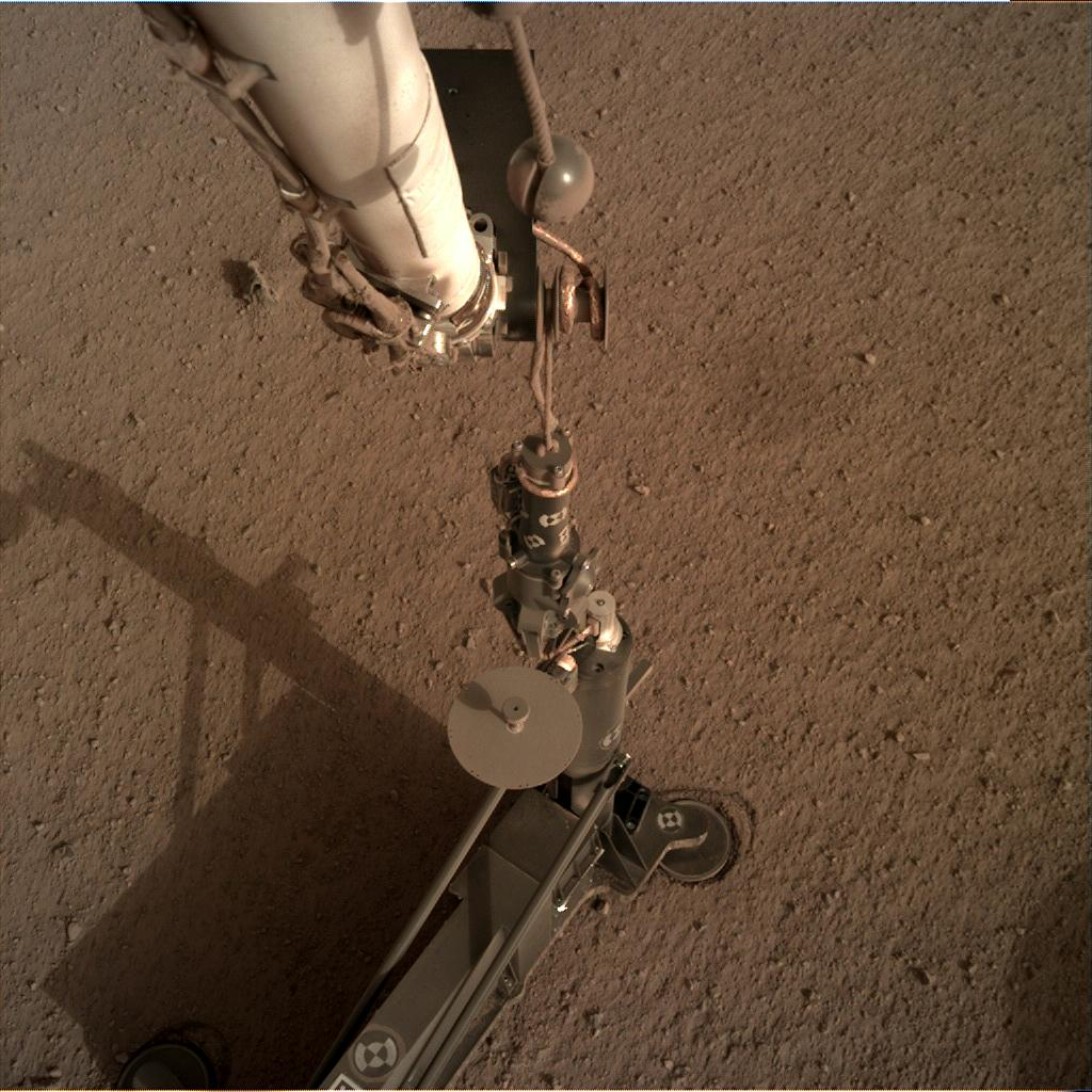 Nasa's Mars lander InSight acquired this image using its Instrument Deployment Camera on Sol 92