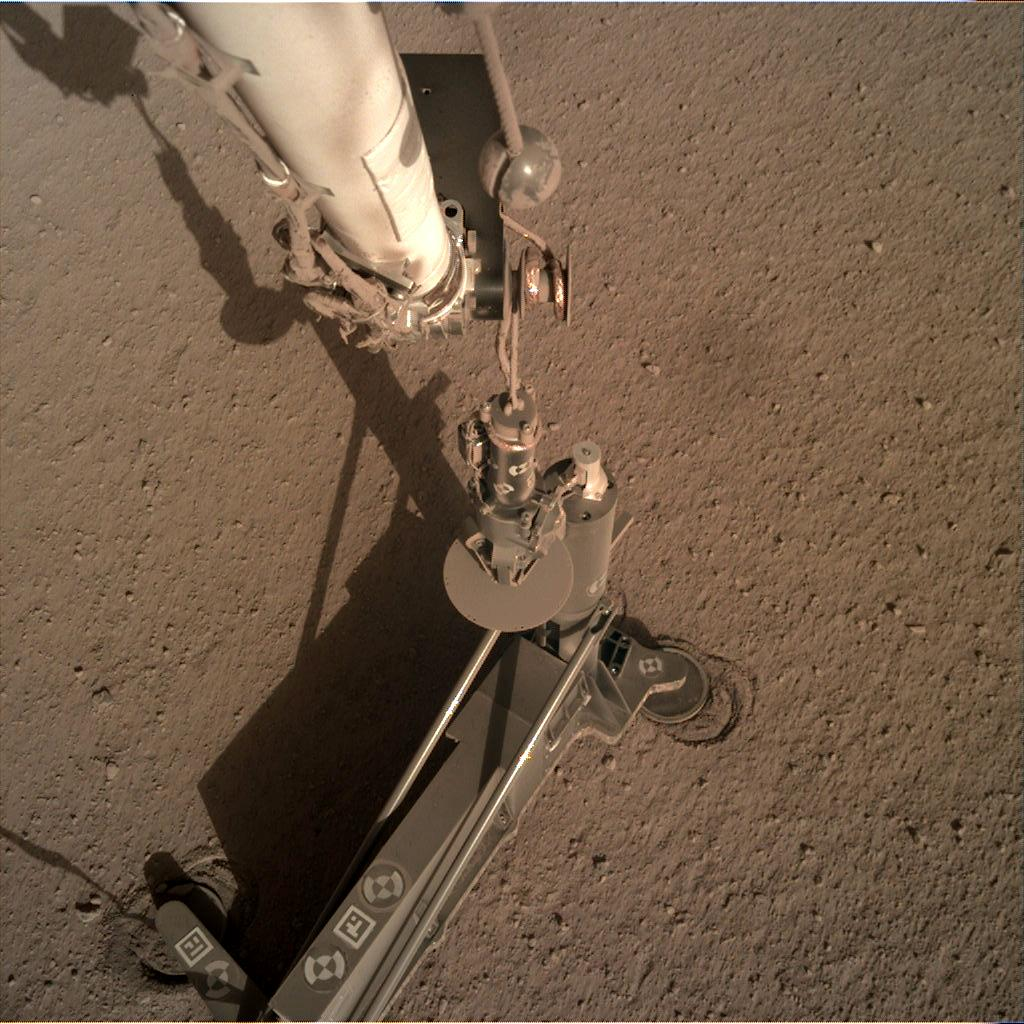 Nasa's Mars lander InSight acquired this image using its Instrument Deployment Camera on Sol 189
