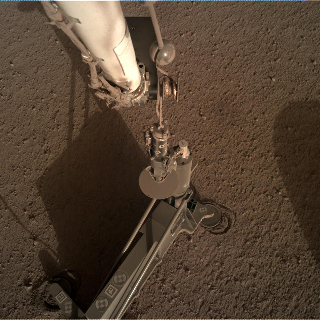 Nasa's Mars lander InSight acquired this image using its Instrument Deployment Camera on Sol 193