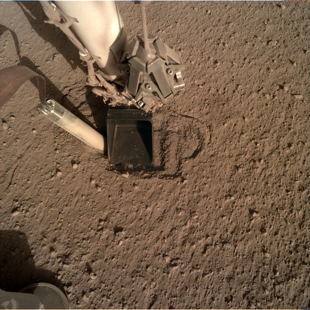 Nasa's Mars lander InSight acquired this image using its Instrument Deployment Camera on Sol 364