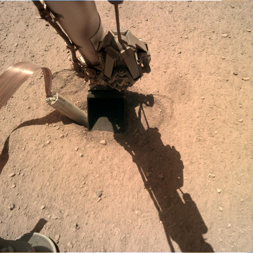 Nasa's Mars lander InSight acquired this image using its Instrument Deployment Camera on Sol 409