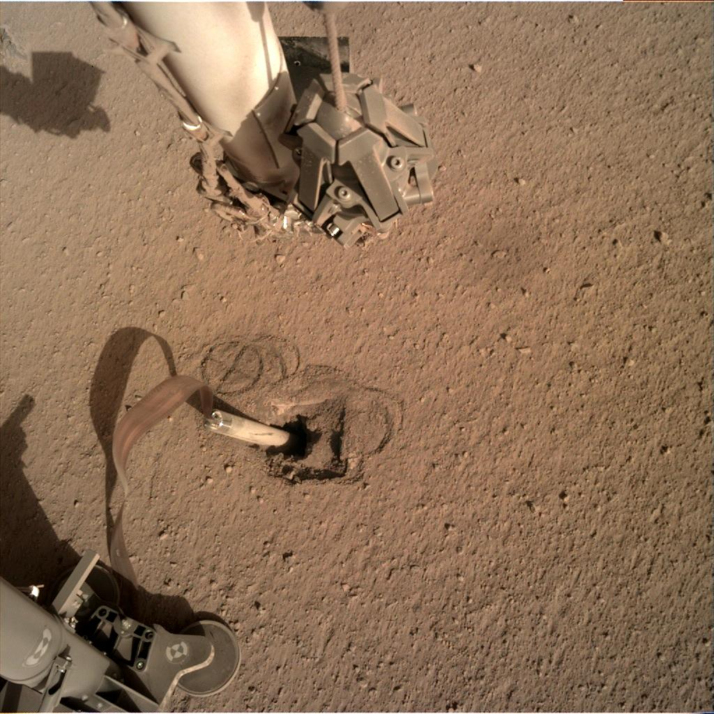 Nasa's Mars lander InSight acquired this image using its Instrument Deployment Camera on Sol 417