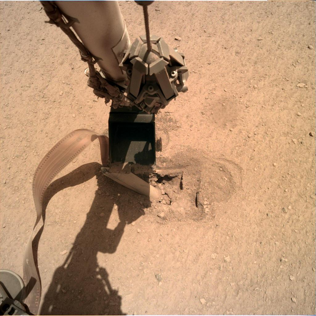 Nasa's Mars lander InSight acquired this image using its Instrument Deployment Camera on Sol 456
