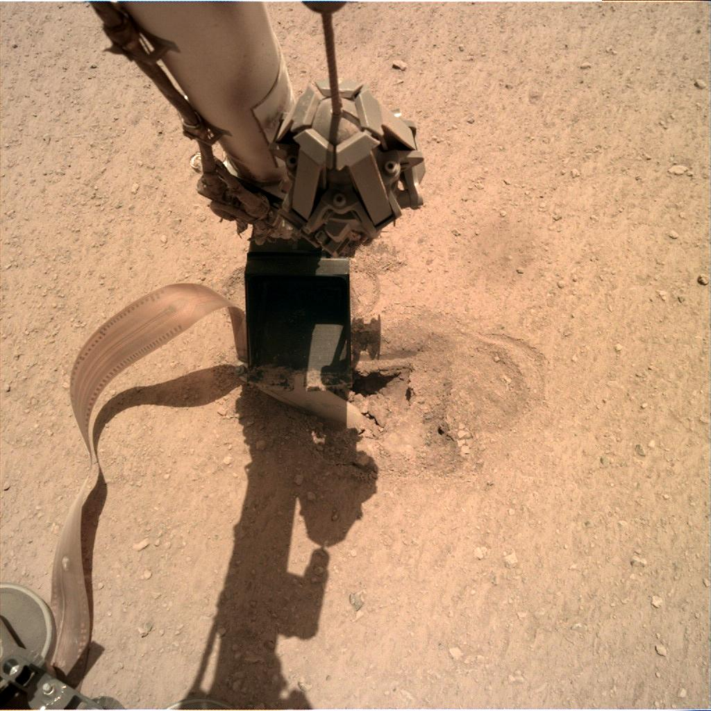 Nasa's Mars lander InSight acquired this image using its Instrument Deployment Camera on Sol 462