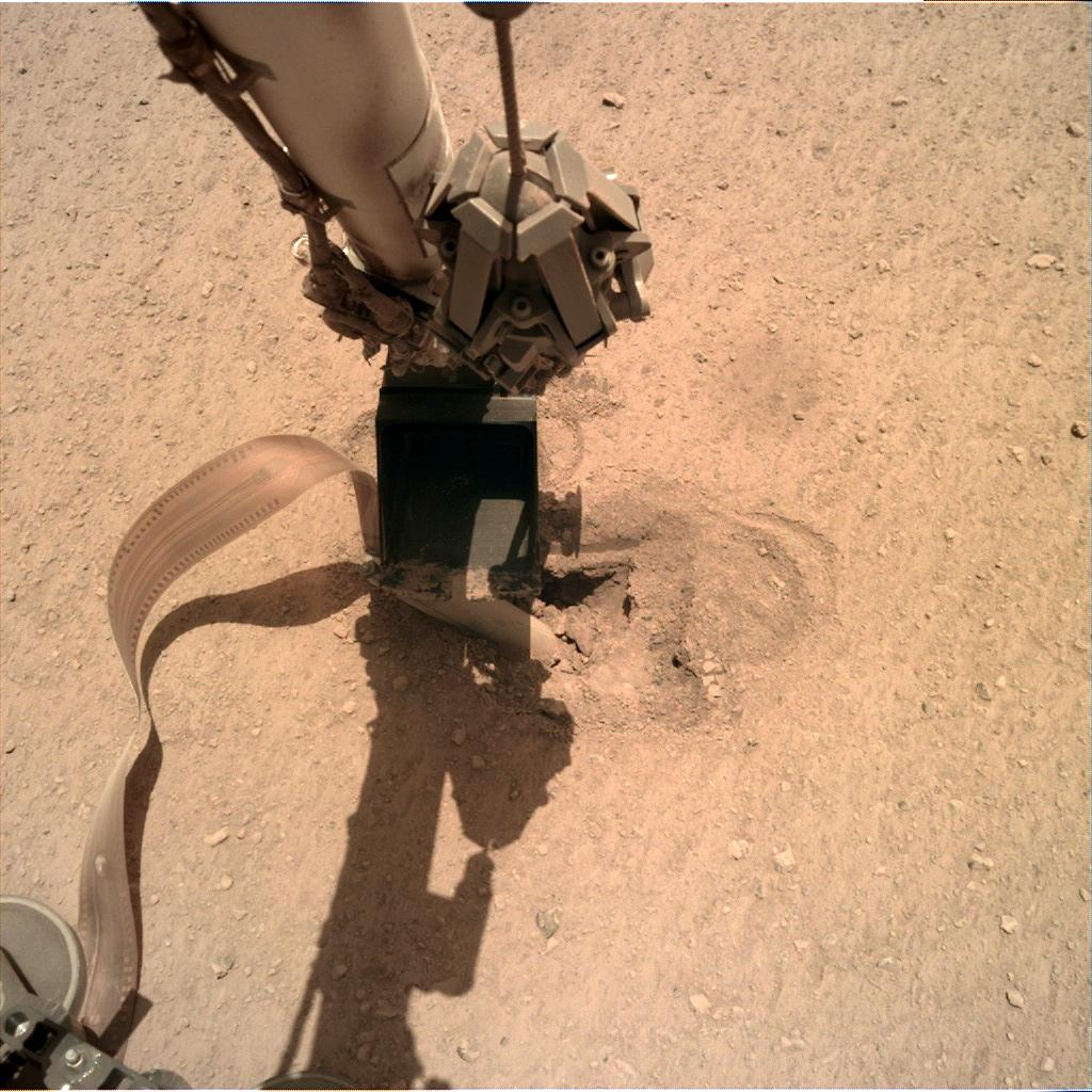 Nasa's Mars lander InSight acquired this image using its Instrument Deployment Camera on Sol 466