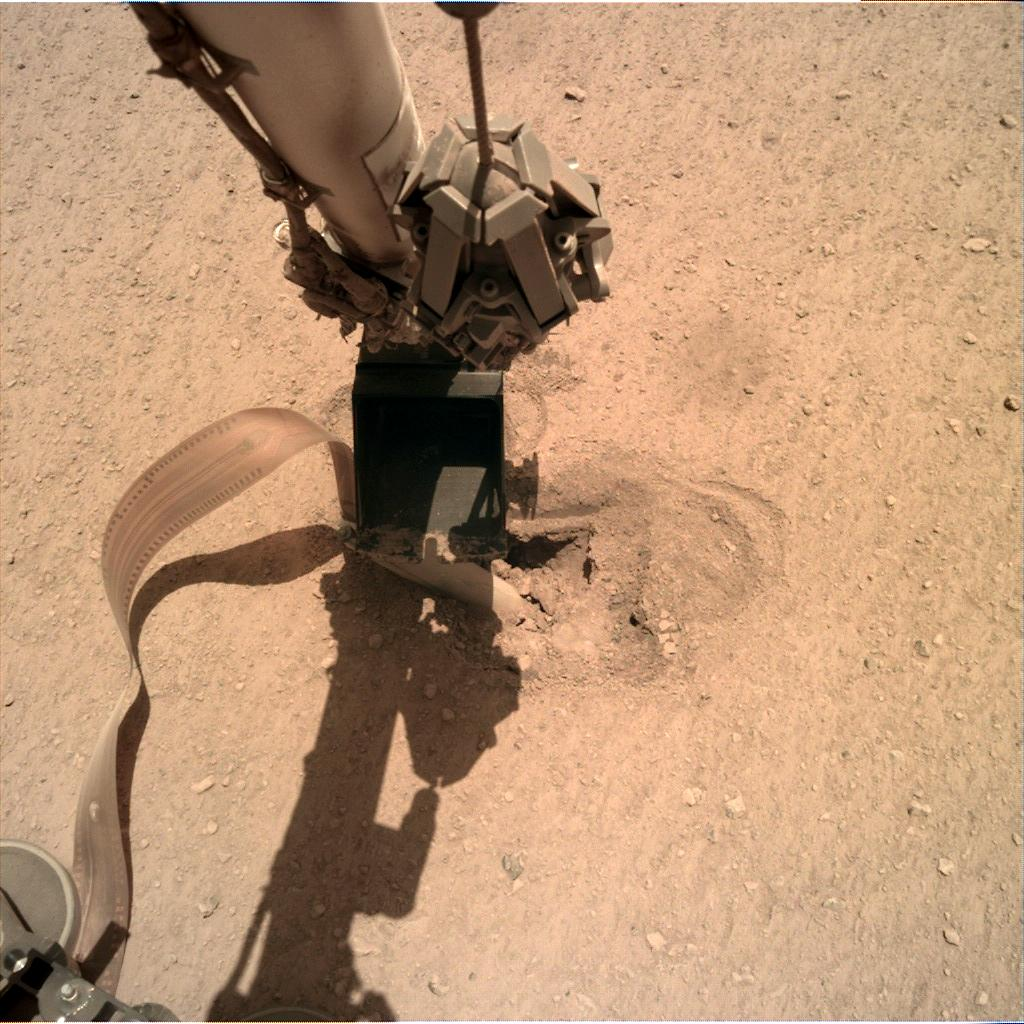 Nasa's Mars lander InSight acquired this image using its Instrument Deployment Camera on Sol 468