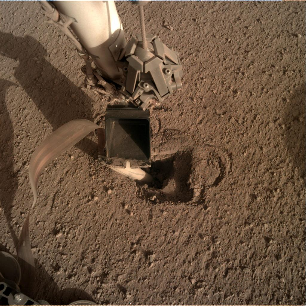Nasa's Mars lander InSight acquired this image using its Instrument Deployment Camera on Sol 471