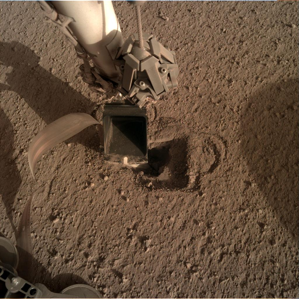 Nasa's Mars lander InSight acquired this image using its Instrument Deployment Camera on Sol 494