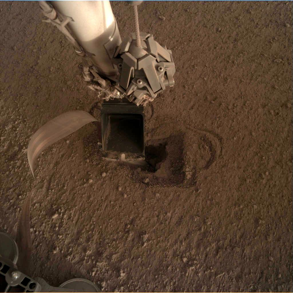 Nasa's Mars lander InSight acquired this image using its Instrument Deployment Camera on Sol 498