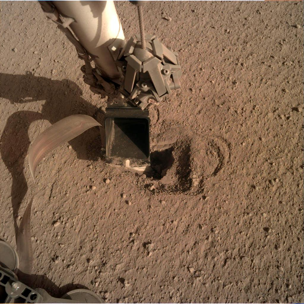 Nasa's Mars lander InSight acquired this image using its Instrument Deployment Camera on Sol 499