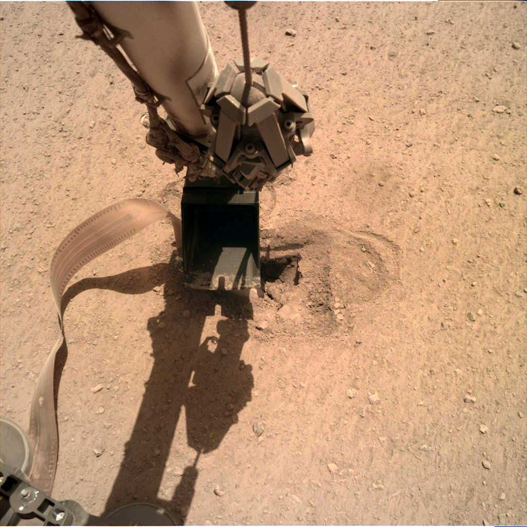 Nasa's Mars lander InSight acquired this image using its Instrument Deployment Camera on Sol 501