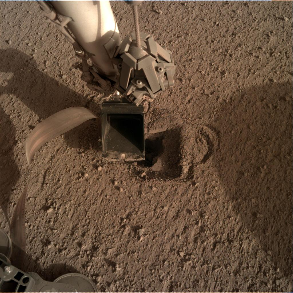 Nasa's Mars lander InSight acquired this image using its Instrument Deployment Camera on Sol 510
