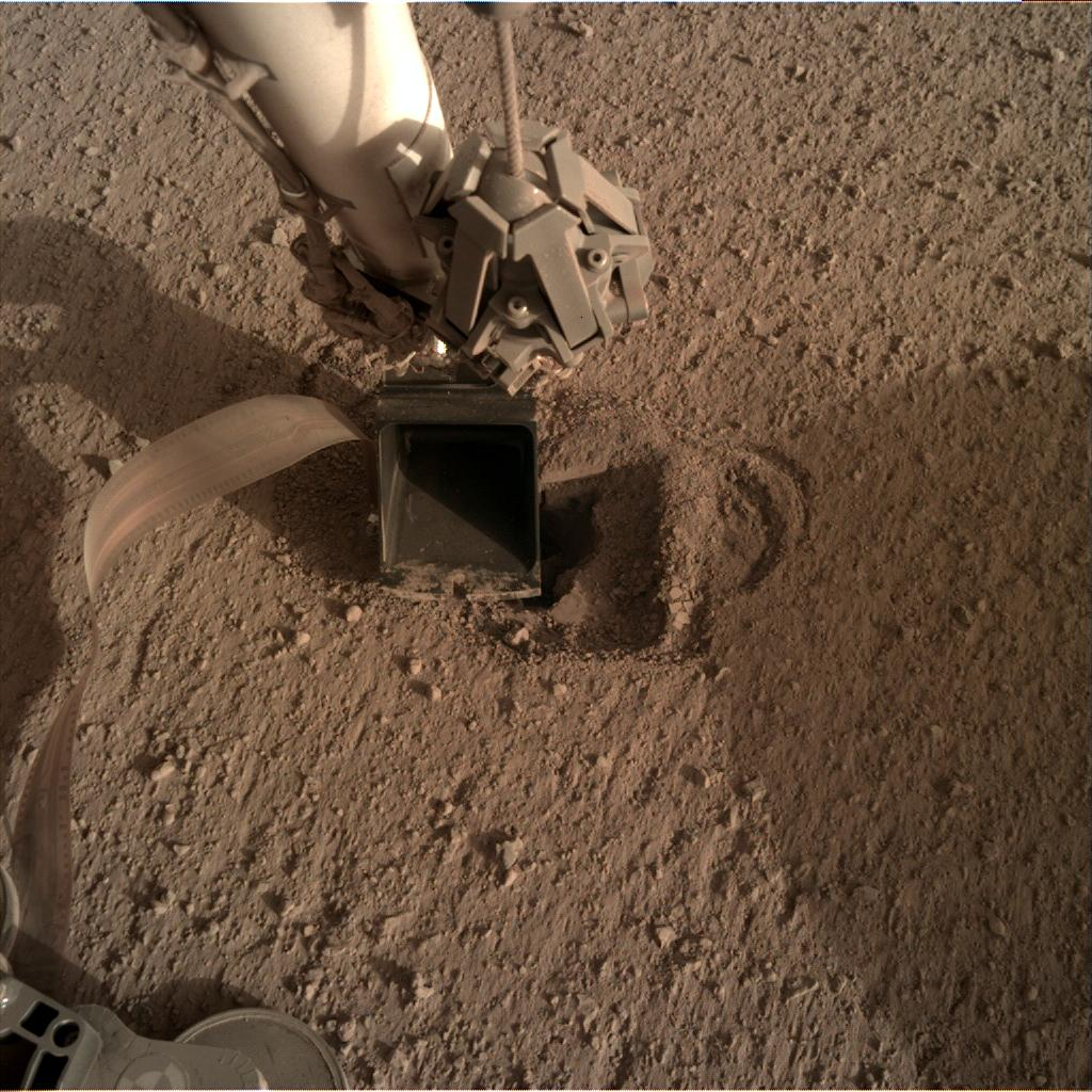 Nasa's Mars lander InSight acquired this image using its Instrument Deployment Camera on Sol 528