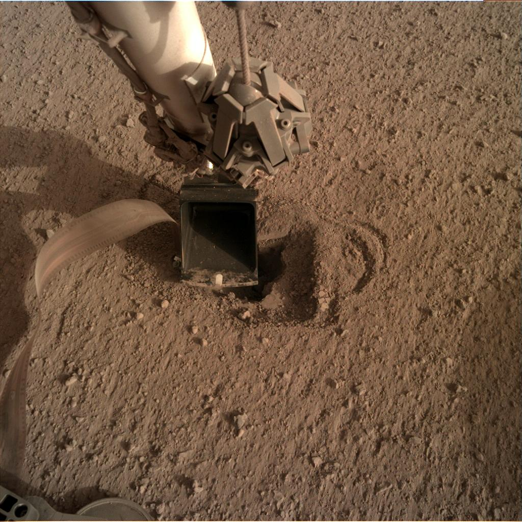 Nasa's Mars lander InSight acquired this image using its Instrument Deployment Camera on Sol 536