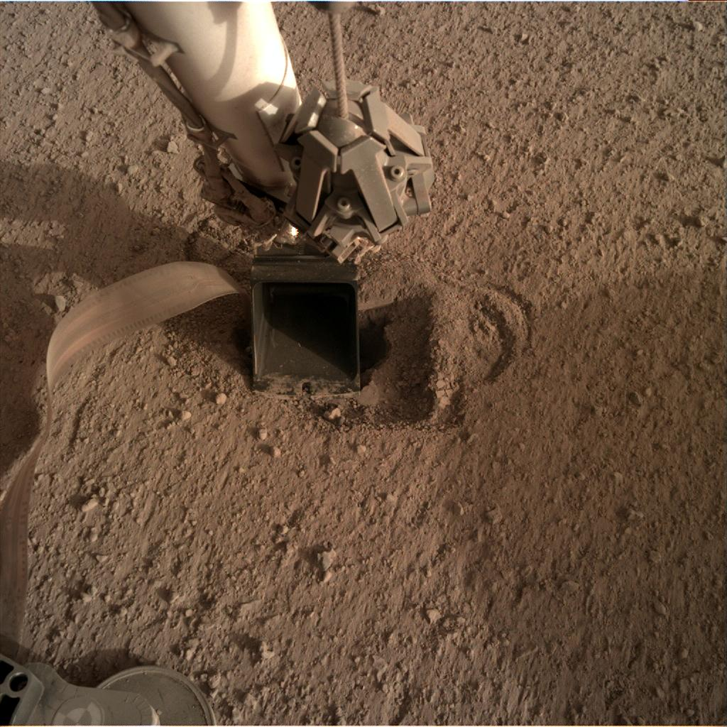 Nasa's Mars lander InSight acquired this image using its Instrument Deployment Camera on Sol 541