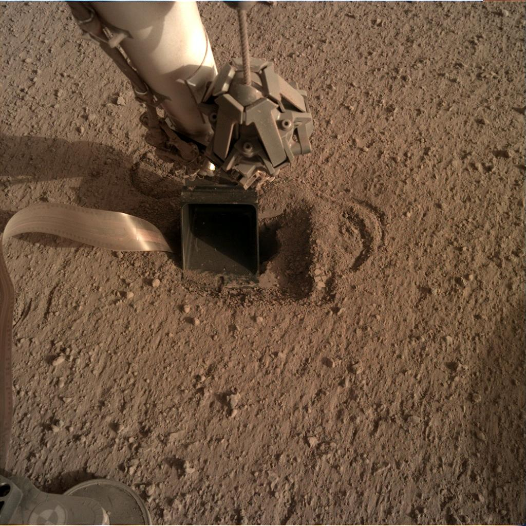 Nasa's Mars lander InSight acquired this image using its Instrument Deployment Camera on Sol 550