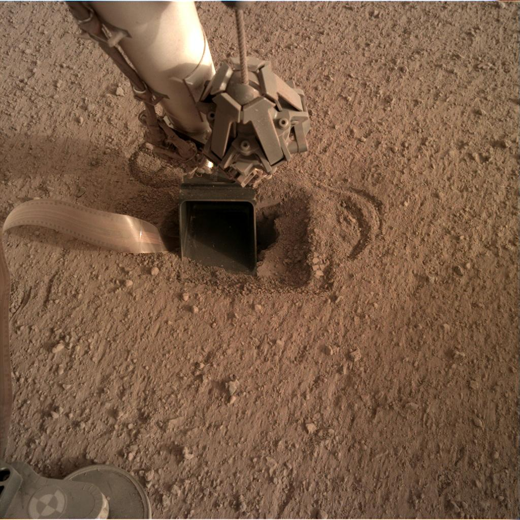 Nasa's Mars lander InSight acquired this image using its Instrument Deployment Camera on Sol 565