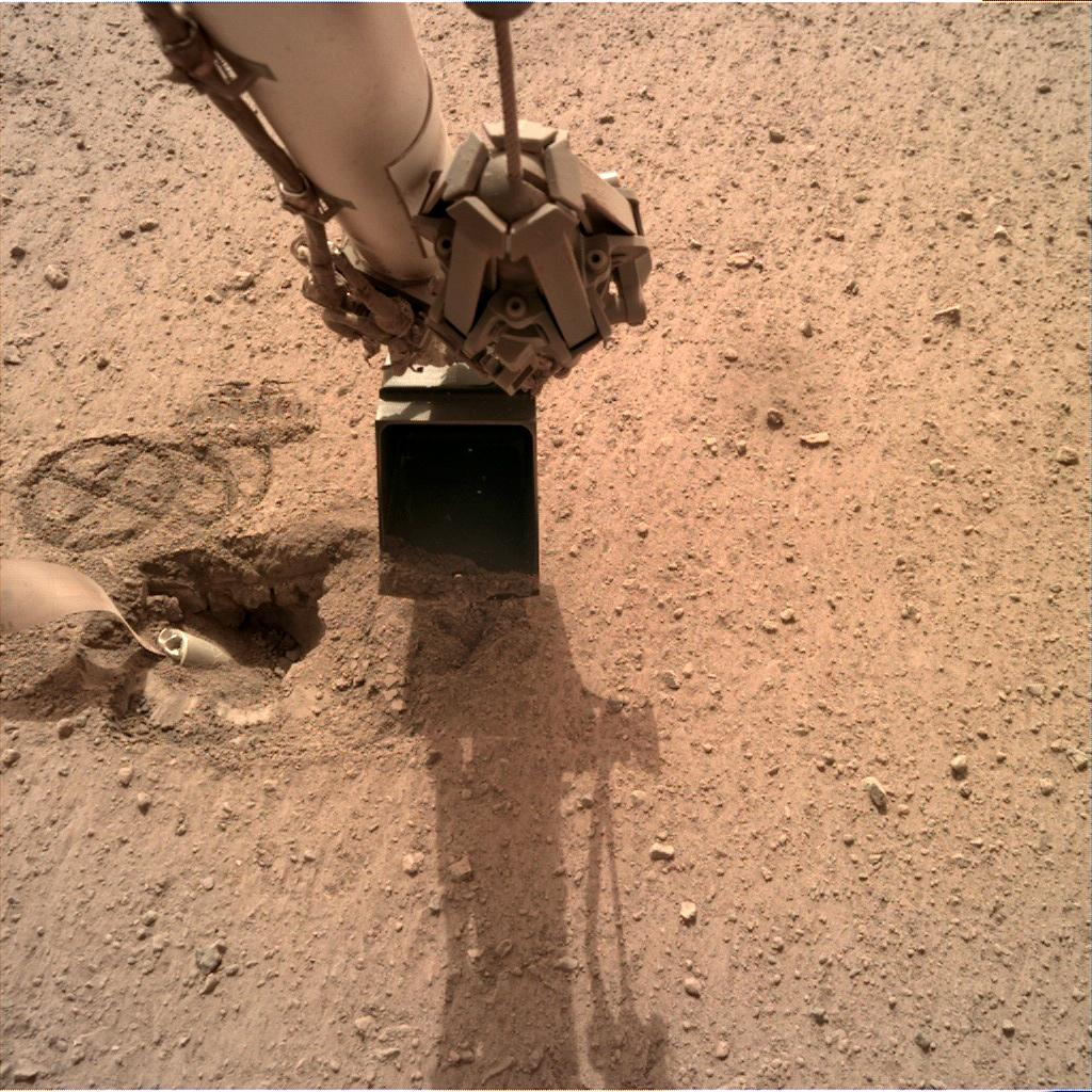 Nasa's Mars lander InSight acquired this image using its Instrument Deployment Camera on Sol 577