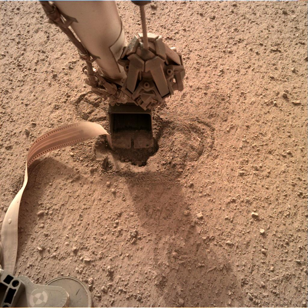 Nasa's Mars lander InSight acquired this image using its Instrument Deployment Camera on Sol 605