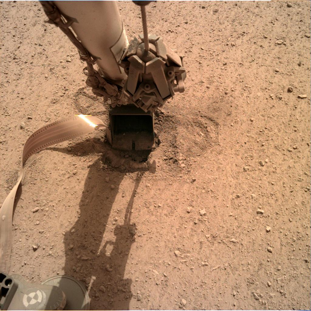 Nasa's Mars lander InSight acquired this image using its Instrument Deployment Camera on Sol 611